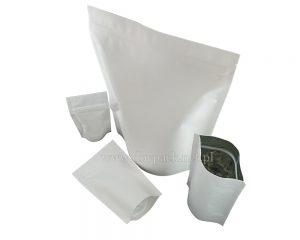 Białe papierowe torby